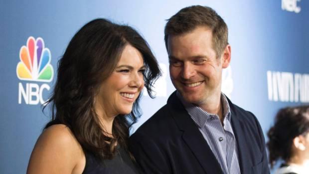 Lauren Graham Talks Dating Parenthood Co-Star Peter Krause