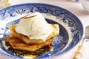 Grilled pineapple with coconut and lime ice cream
