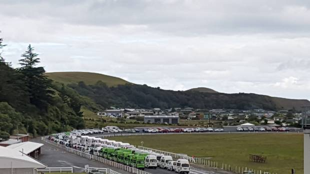 Tomorrow's third rental vehicle convoy from Kaikoura has been postponed by the threat of bad weather.