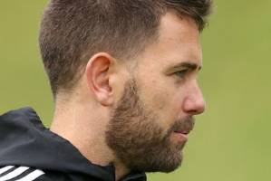 Interim Wellington Phoenix coaches Des Buckingham, left, and Chris Greenacre talk tactics.