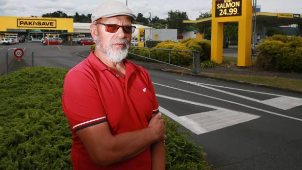 Peter Taratoa said Pak 'n Save's Christmas display of Coca-Cola products is not a good look, promoting sugary drinks to  ...