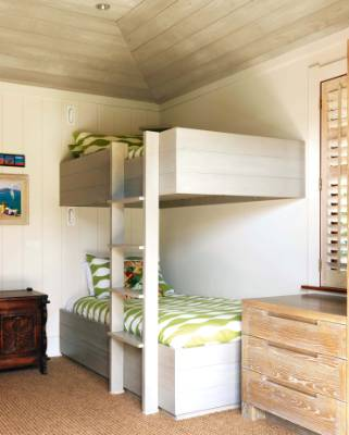 The beds in the bunk room were built by the multi-talented John Dunleavy, winemaker at Te Motu in the Onetangi Valley.