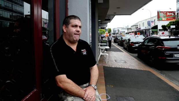 Political blogger Cameron Slater, waiting for a friend in Parnell.
