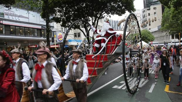 A Very Welly Christmas parade down Lambton Quay | Stuff.co.nz