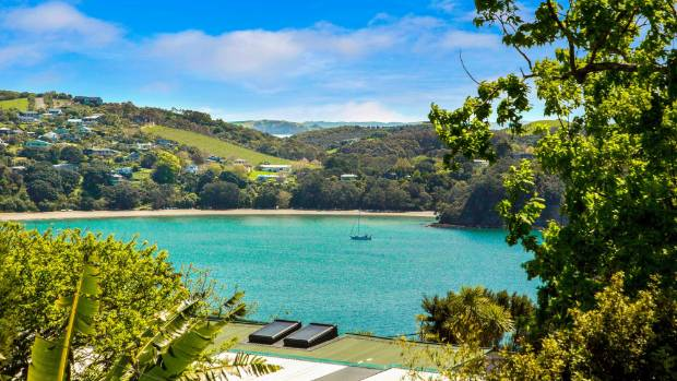 The Waiheke lifestyle is attracting top end buyers.