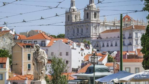Largo das Portas do Sol, Lisbon.