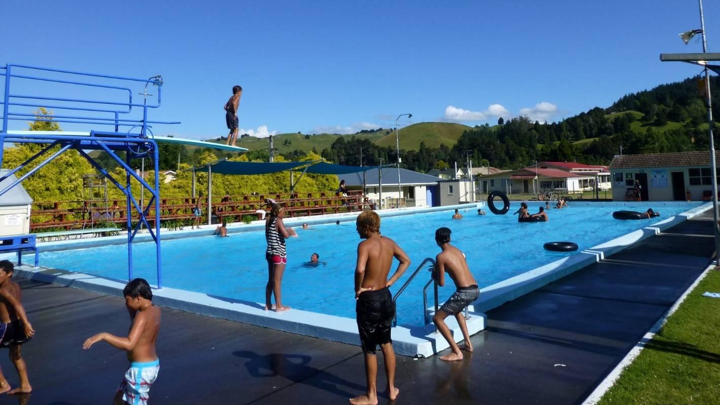 Earthquake damage closes taumarunui pool for Marlborough college swimming pool
