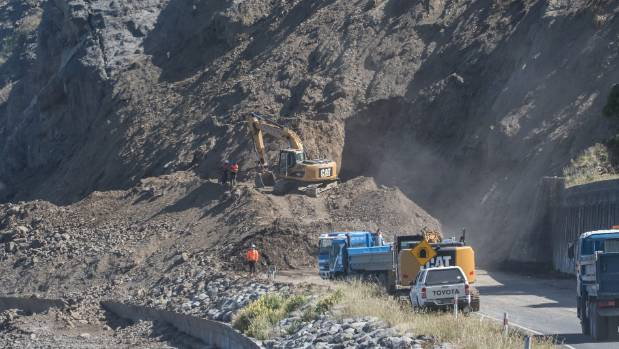 Extensive efforts were made to clear landslips and other damage from SH1 south of Kaikoura.