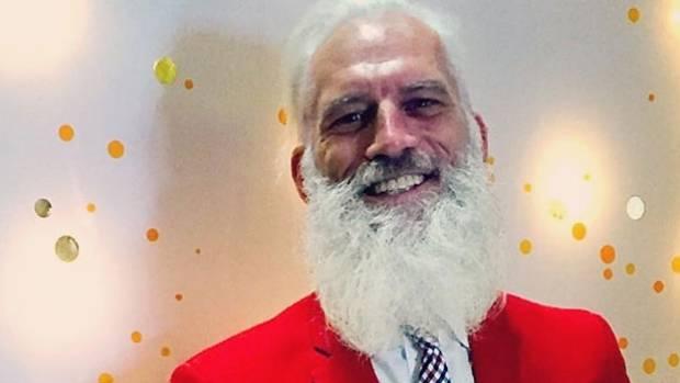 Q&A: 5 minutes with 'Fashion Santa'