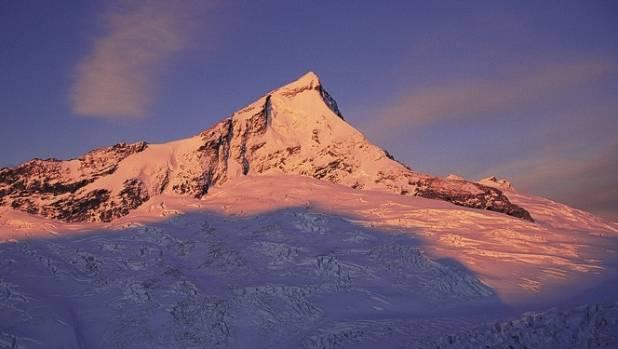 A climber has fallen to his death at Mt Aspiring.