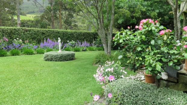 The Garden Opposite The Deck Has A Pink And Purple Theme With U0027Strawberry  Iceu0027