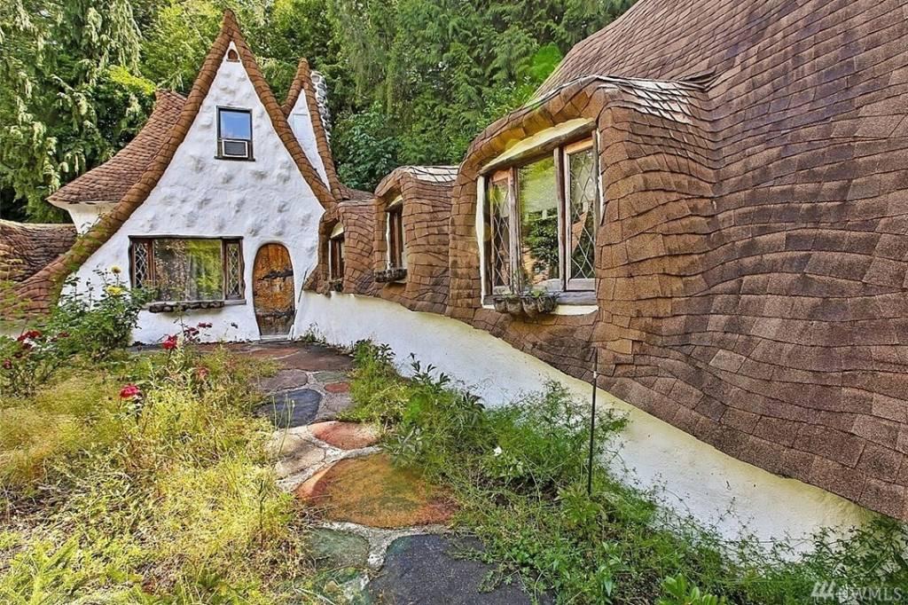 Brilliant Snow Whites Cottage Is For Sale In Washington Us Download Free Architecture Designs Sospemadebymaigaardcom