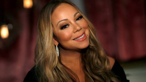 Mariah Carey Busts Out Jaw-Dropping Christmas Outfit