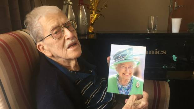 Family gathers to celebrate Nelson mans century – 100 Birthday Card from Queen