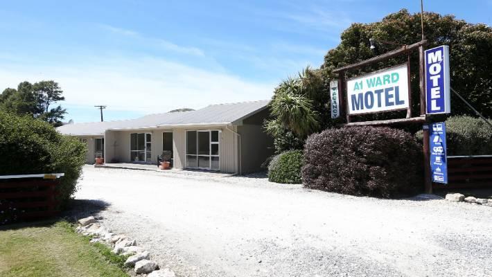 Bonus' quake contractors could replace visitors at Kaikoura