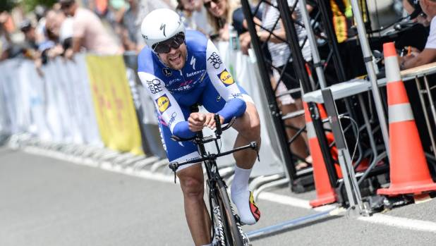 Jack bauer blitzes the field to win time trial at elite for Quick step floors cycling team