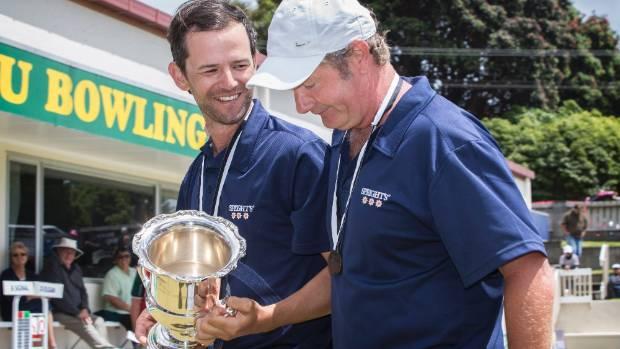 Gary Lawson and Neville Rodda won the men's pairs at the New Zealand Bowls Championships.