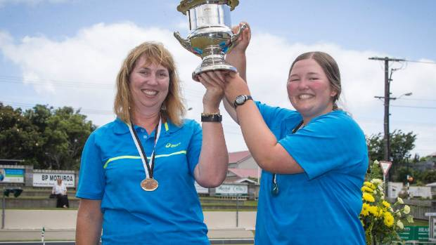 Rayner and Ashley Jeffcoat won the women's pairs at the New Zealand Bowls Championships.