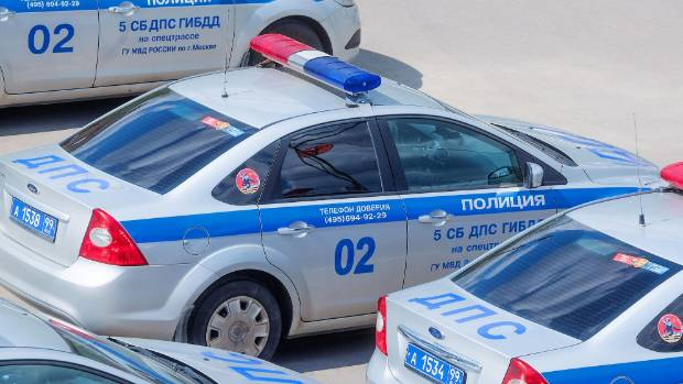 Mikhail Popkov used his status as a police officer to lure his victims.