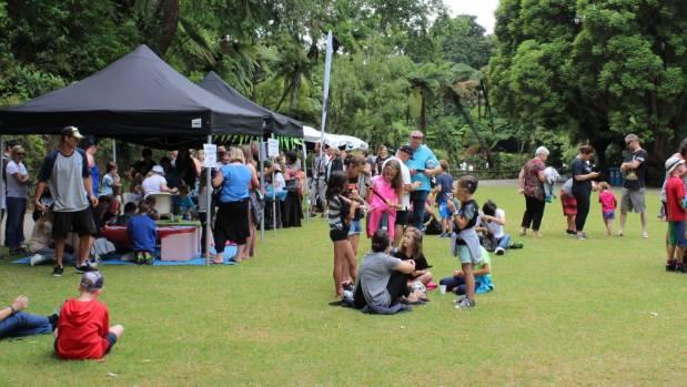Scavenger Hunters gathered at the Hatchery Lawn at Pukekura Park for summer fun.