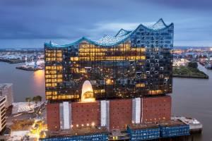 Elbphilharmonie Hamburg opera house by Merzog & de Meuron 16.1.17
