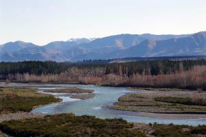The proposed scheme plans to take water when the Hurunui River is in good flow and use that for irrigation in dry periods.