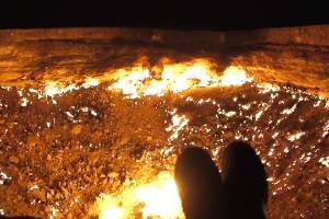 This man camped on the edge of the 'Door To Hell'.
