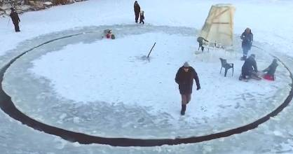 Cold weather doesn't have to limit fun activities, as this ingenious inventor showed us.