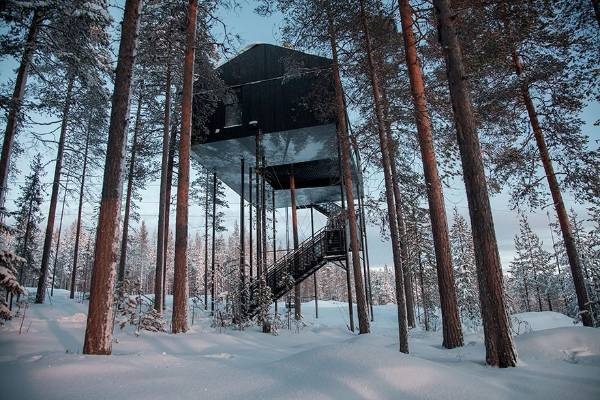 Swedish architectural firm Snohetta designed this brand new treehouse hotel in Lapland near the Arctic Circle. The 7th ...