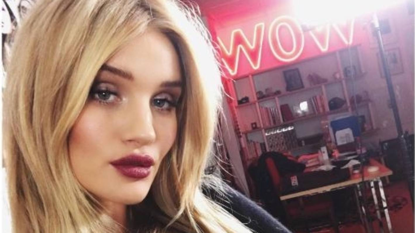 Rosie Huntington-Whiteley reveals a selfie takes 100 tries