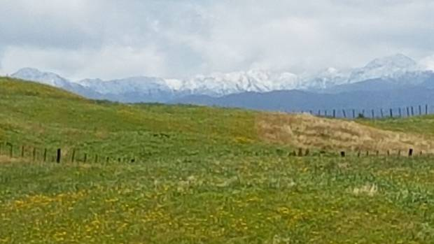 Snow on the Tararua range, seen from Ohau, just south of Levin, on Friday morning.