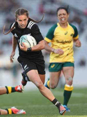 New Zealand Rugby women's player of the year Selica Winiata was not selected for the women's sevens contract list for 2017.