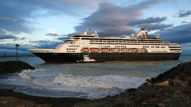 Cruise ship Maasdam arriving at the port of Timaru early on January 23.