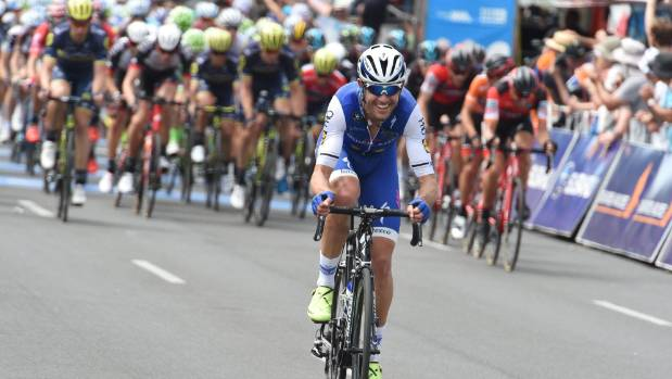Quick step floors cyclist jack bauer makes good first for Quick step floors cycling team