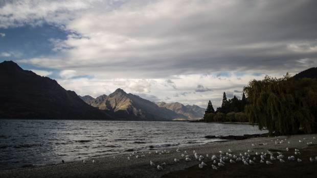 The shores of Lake Wakitipu.