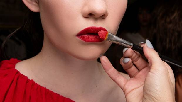 Looking for some expert tips and tricks? Try a MAC makeup lesson.