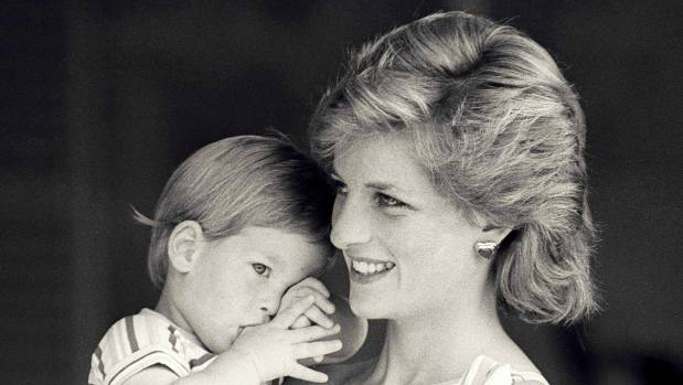Princes to mark Diana anniversary with statue