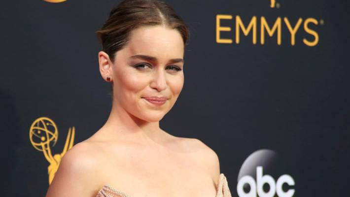 Emilia Clarke Is New Face Of Dolce Gabbana S The One Perfume