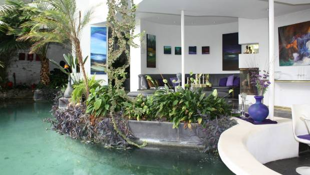 Amazing Spaces took the cameras through the house, which was described as a 'tropical oasis'.