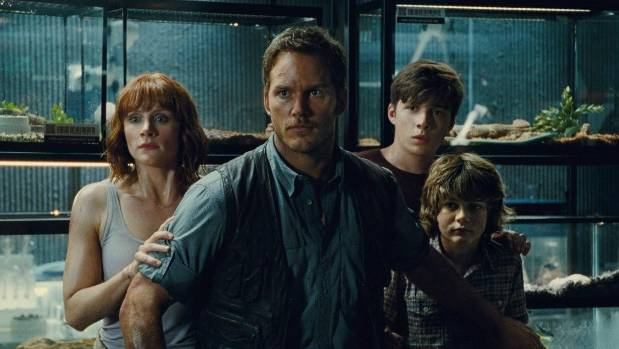 Jurassic World actors Bryce Dallas Howard, Chris Pratt, Nick Robinson and Ty Simpkins in the lab.