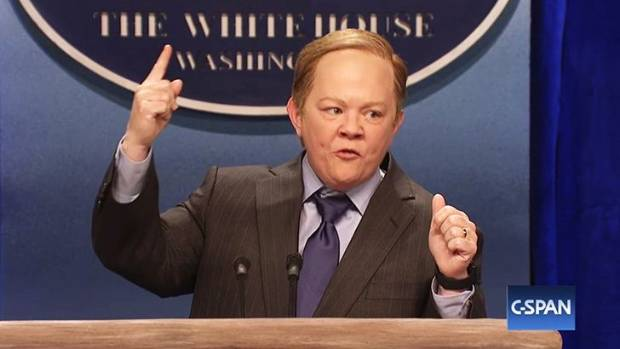 Melissa McCarthy nails Sean Spicer