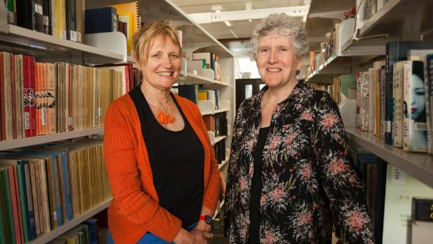 The University of Canterbury linguist Una Cunningham says compulsion can be a successful motivator.