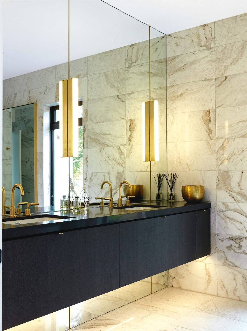 15 Mirrors That Satisfy More Than Vanity Stuff Co Nz