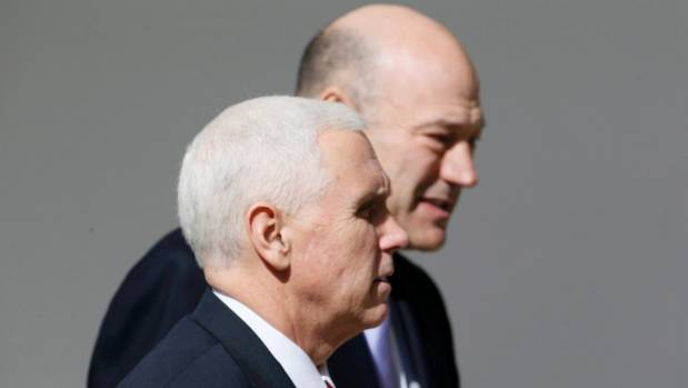 US Vice President Mike Pence and head of the National Economic Council  Gary Cohn (R).