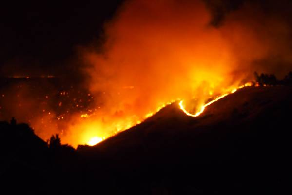 The Port Hills fire burns in Victoria Park, Christchurch, on Wednesday evening.