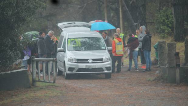 Police recover Carissa Avison's body from Woodhill Forest.
