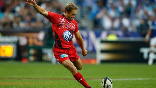 Healey caused a stir on Twitter by suggesting on Twitter that Farrell was a better player than Jonny Wilkinson (pictured).