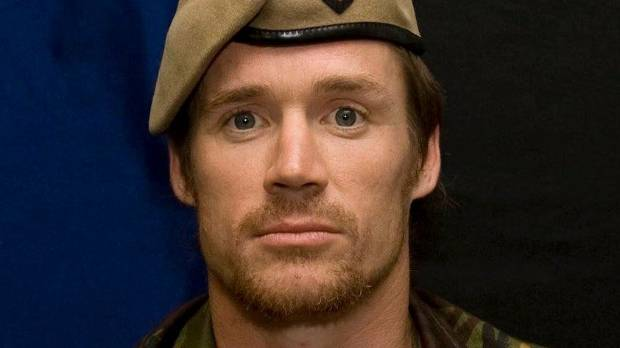 Steve Askin was a former SAS soldier and was involved in the same action for which Willie Apiata received the Victoria Cross.