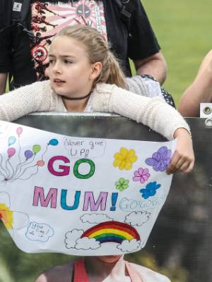 190217. News. KEVIN STENT/FAIRFAX NZ. Cigna Round the Bays,Wellington. Ten year old Amelie Tobin has a message for her mum.