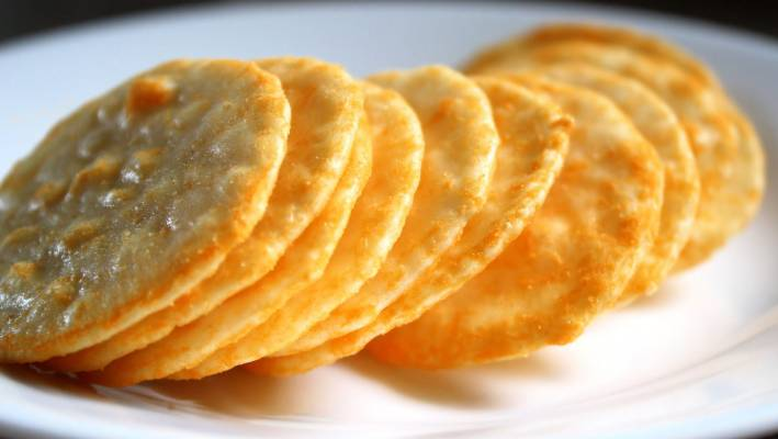 Are rice crackers really healthy? We put three flavours to